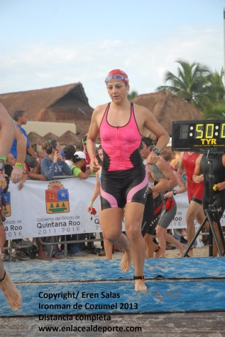 Indumentaria para natación, distancia completa de un Ironman